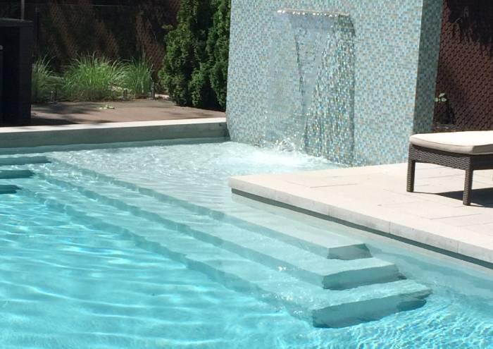piscine-memphre-commercial